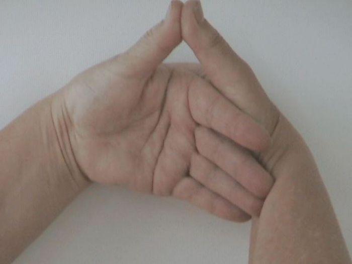 Gyógyító kéztartások: és tényleg működik!