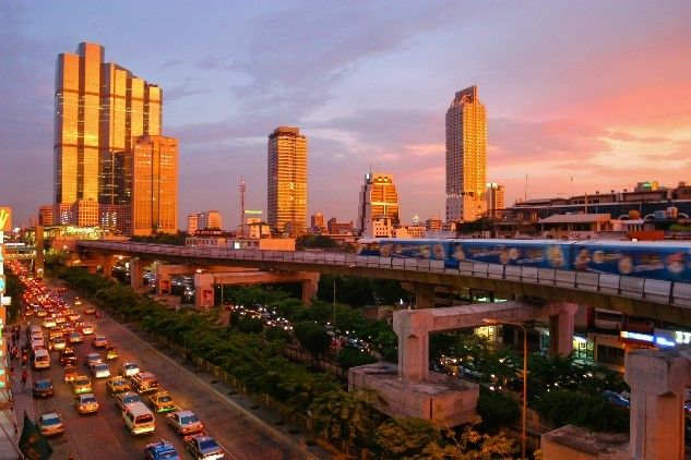 Skytrain in Bangkok, Thailand | Asian City Stopovers | Distant Journeys | http://www.distantjourneys.co.uk/blog/10-fascinating-facts-about-bangkok/