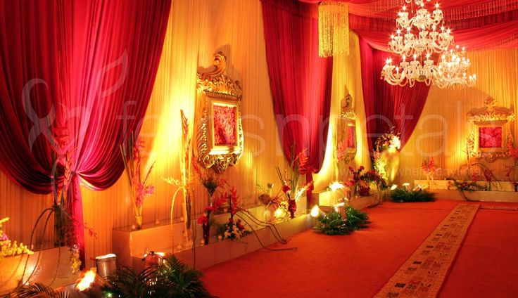 #FNPweddings has best #Contemporary #WeddingPlanners & decorators for wedding events in #Delhi.