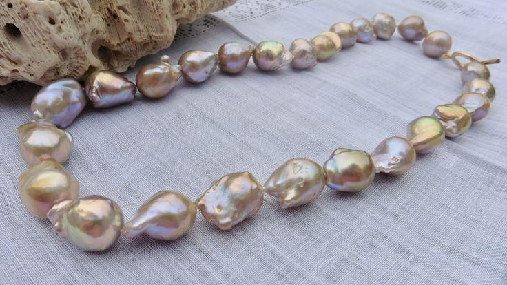 Perlenketten -  Edison Perlenkette Barockperlen Flameball - ein Designerstück von Perlenfischzuege bei DaWanda