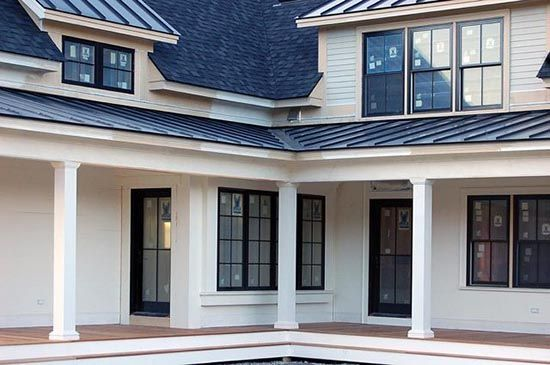 Best Love This Combo Of Shingles And Metal For Roofing A Happy 400 x 300