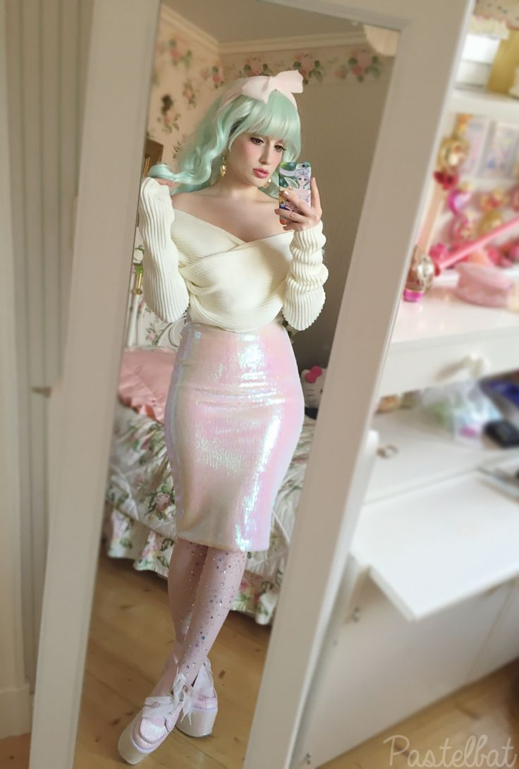Emilia/ pastelbat-- love the off the shoulder sweater, her skirt, & the mint green wig!
