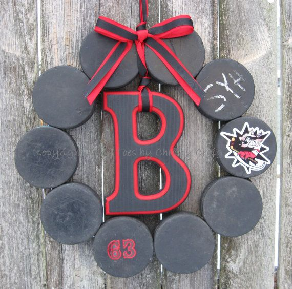 Hockey Love Wreath - totally doing this for our new house