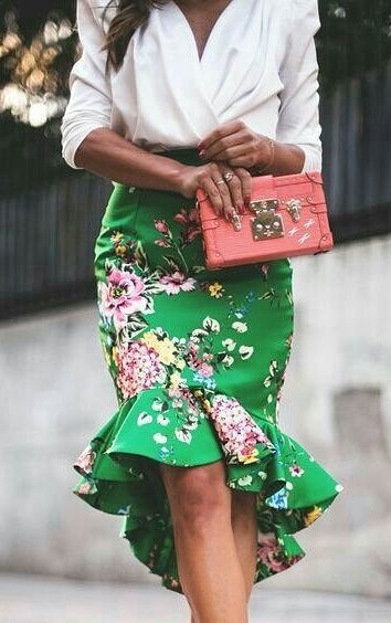 #summer #fashion Green skirt in bright colors Pink clutch bag