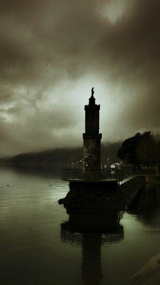 gera lario - como's lake - stormy day as it was today too :) #geralario #lakecomo
