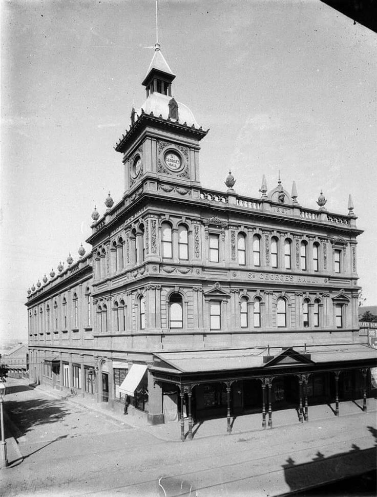 St George's Hall on King St,Newtown in the inner west of Sydney in 1910.