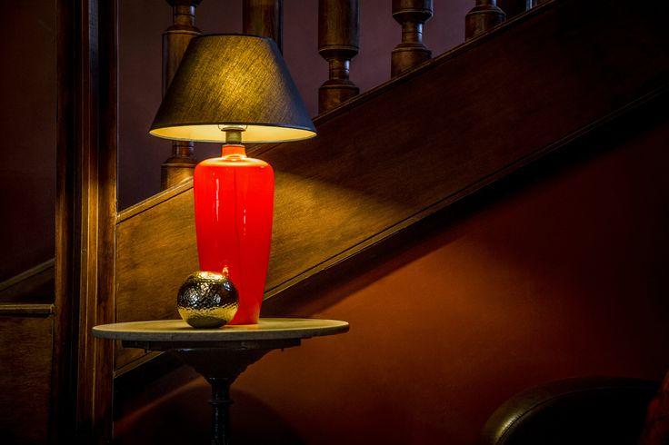 Poznajcie lampę SEVILLA marki 4Concepts. Stylowy wygląd i kolor pięknie pasować będzie do gustownych aranżacji wnętrz.