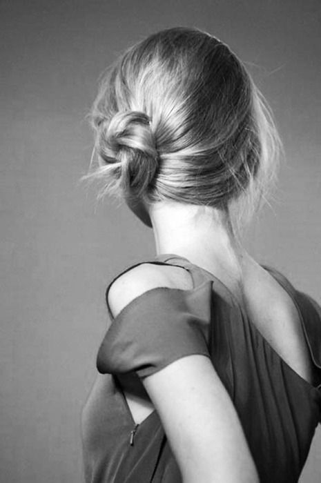 shoulder: Hairstyles, Messy Bun, Side Knot, Hair Styles, Wedding, Makeup, Beauty, Side Buns