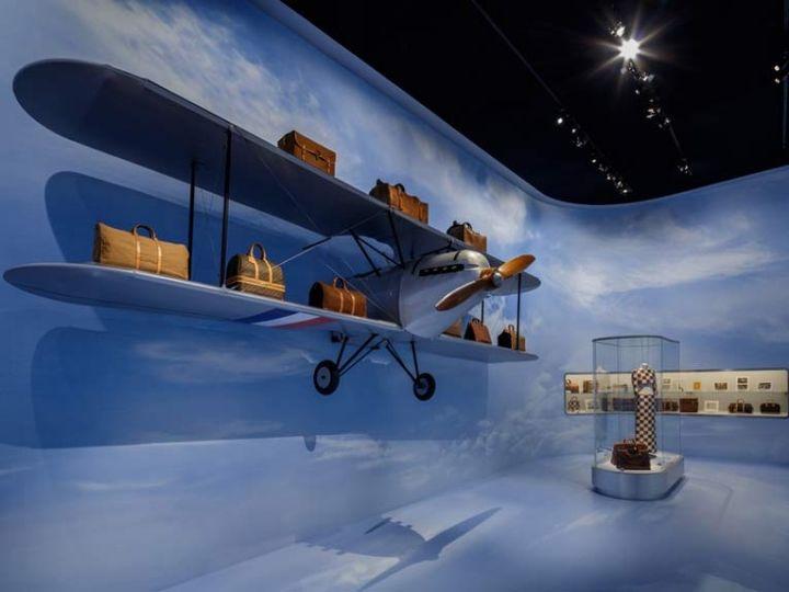 Louis Vuitton Volez, Voguez, Voyagez exhibition, Tokyo – Japan » Retail Design Blog