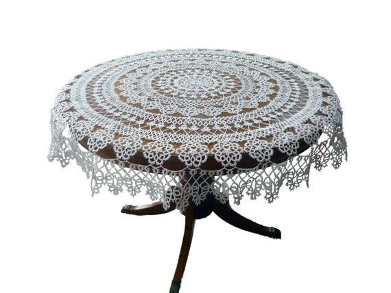 Handmade tatting tablecloth  White Roses by ShopGift on Etsy, $380.00Tat Pattern, Tat Projectsgotta, Tat Projects Gotta, Crochet Tat, Tat Tablecloth, Tat Needle, Lace Tat, Frivolite, Handmade Tat