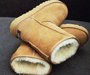 Although we needs to keep our little toes warm, Uggs are NOT the way to go