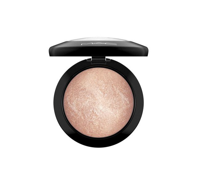 M·A·C Cosmetics: Mineralize Skinfinish in Soft & Gentle // pressed highlighter
