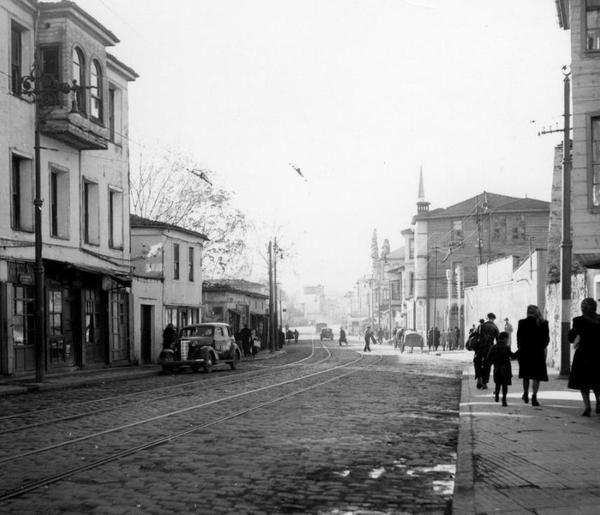 ✿ ❤ Bir zamanlar İSTANBUL,  Beşiktaş Çırağan Yolu (1940'lar