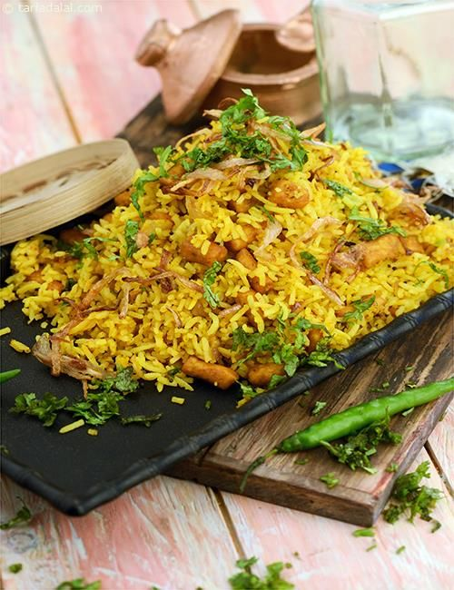 Gatte ka Pulao, cooked gattas are added to spice up this pulao which is usually served with kadhi (khatta) or plain curds.