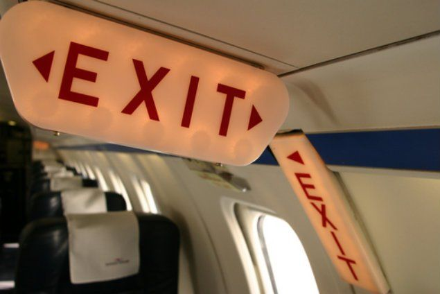 A woman opened the emergency exit door and jumped out of a plane as it was taxiing down a runway in Houston, startling passengers on board. The United Airlines flight had just landed in Houston from New Orleans and was headed toward its gate at the George Bush Intercontinental Airport when the incident happened Monday …