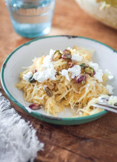 Courge+spaghetti+au+beurre+de+sauge,+chèvre+et+pistaches+à+l'érable+
