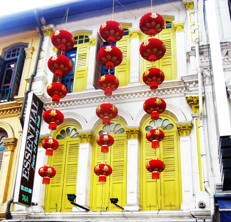 Family Backpacking : China Town . Singapore