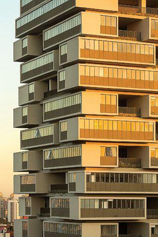 Moradores do edifício 360º, em SP, querem fechar varandas com vidro - ARCOweb