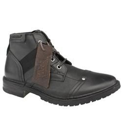 Caterpillar Male Erpillar Piven Leather Upper Boots in Black CATERPILLAR Erpillar Piven Another fantastic addition to the special edition Legendary Raw collection. This style uses a special leather treatment which gives the boot that used look and there is stud http://www.comparestoreprices.co.uk/mens-shoes/caterpillar-male-erpillar-piven-leather-upper-boots-in-black.asp