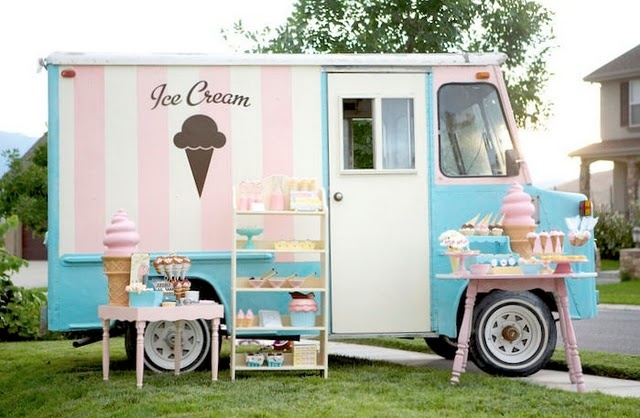 Lovely Ice Cream Truck: Kids Parties, Ice Cream Parties, Cream Trucks, Ice Cream Social, Birthday Parties, Vintage Ice Cream, Food Trucks, Parties Ideas, Icecream