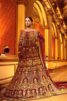 Chic and New Design Erum Khan Nawabzaadi Bridal Couture Collection http://www.fashioncluba.com/2016/12/chic-and-new-design-erum-khan-nawabzaadi-bridal-couture-collection.html