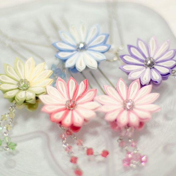 Tsumami kanzashi 揺れる菊のミニ簪
