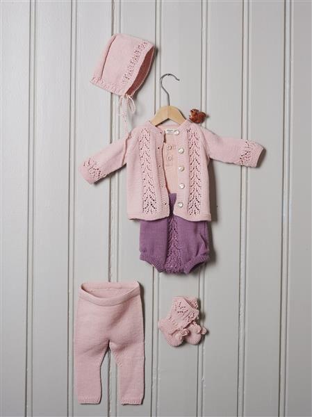 1508: Design 5 Jakke, bukse, bleiebukse, sokker og kyse #strikk #knit #merino