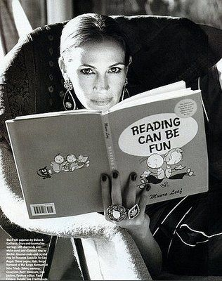 Julia Roberts reads Reading Can Be Fun by Munro Leaf --Stacy