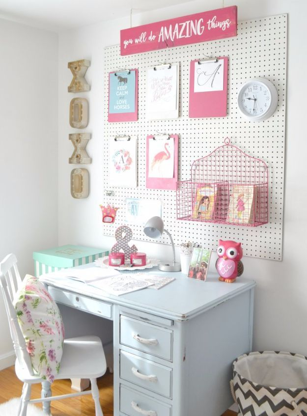 Best DIY Room Decor Ideas for Teens and Teenagers - DIY Peg Board - Best Cool Crafts, Bedroom Accessories, Lighting, Wall Art, Creative Arts and Crafts Projects, Rugs, Pillows, Curtains, Lamps and Lights - Easy and Cheap Do It Yourself Ideas for Teen Bedrooms and Play Rooms http://diyprojectsforteens.com/diy-room-decor-ideas-teens