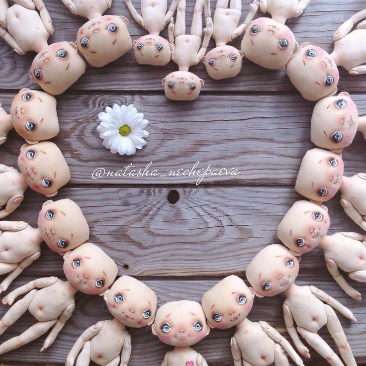 Люблю все 36 глазиков, 18 носиков и 18 ротиков ❤️❤️❤️ #куклынечепаевойнаташи#текстильнаякукла#авторскаякукла#интерьернаякукла#коллекционнаякукла#куклаизткани#куклавподарок#кукласвоимируками#ручнаяработа#подарок#екатеринбург#doll#dolls#artdoll#dollartistry#instadoll#artdoll#art#идеяподарка#present#puppet#handmadedoll#кукла#clothdoll#fabricdoll#авторскаяработа
