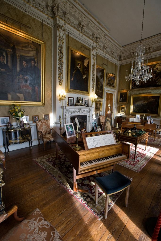 English Country House Dining Room: Castle Howard