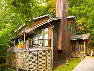 Black+Bear+Crossing+Chalet+in+Chalet+Village+near+Ober+Gatlinburg+++Vacation Rental in Gatlinburg from @homeaway! #vacation #rental #travel #homeaway
