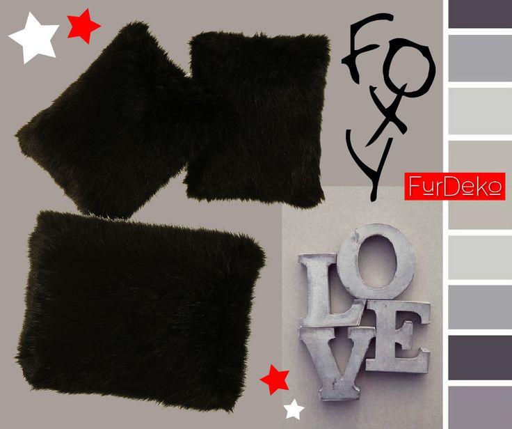 Potrzebujesz prezentu dla bliskiej osoby? Oto elegancka i urzekająca futrzana poduszka FOXY w kolorze intensywnej, błyszczącej czerni :) Kliknij: http://furdeko.pl/product-pol-79-Futrzana-poduszka-dekoracyjna-FOXY-czarny-40x50-cm.html :)  www.FurDeko.pl