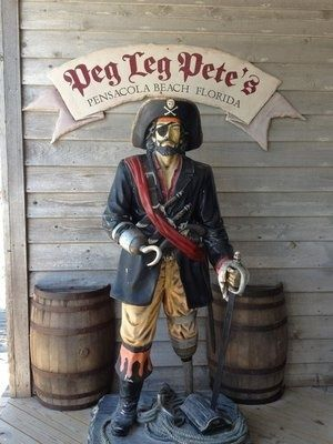I love eating here at Peg Leg Pete's in Pensacola Beach, Florida ! The best place for seafood !!