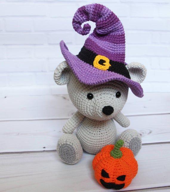 Witch Hat Keychain Amigurumi Pattern - Sueños Blanditos   645x570