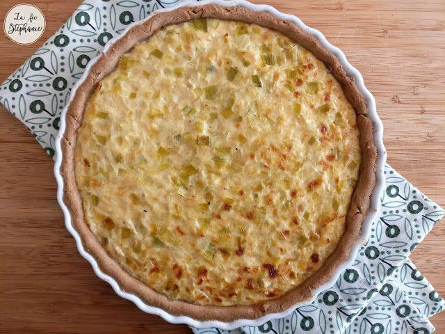 Tarte à l'oignon alsacienne, version 100% végétale et 100% délicieuse! Pâte faite maison, avec option sans gluten.