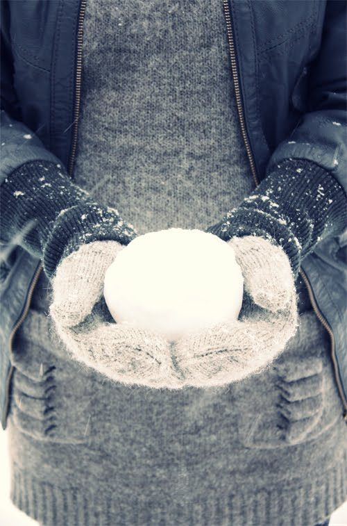 likainen parketti: Lumi/Snow  snowball fight? Stay warm with sweaters from AhaIshopping.