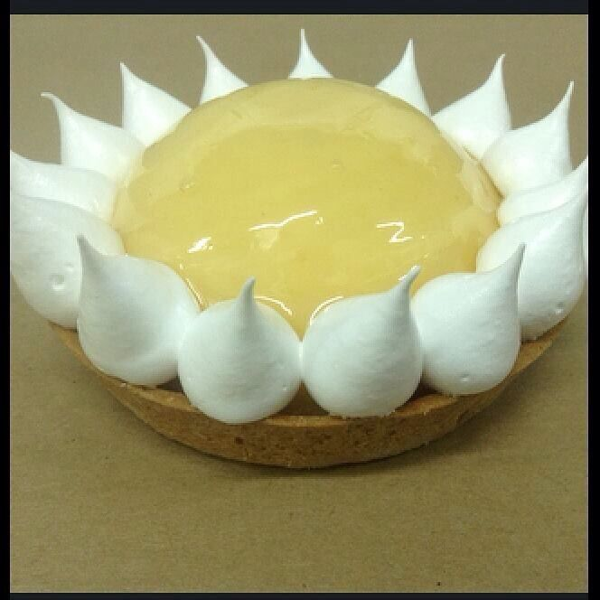 #lemontart #lemon #meringue #apapastavrou #revised #chefargiris Lemon pie creation for The Bakers by chef patissier Argiris Papastavrou