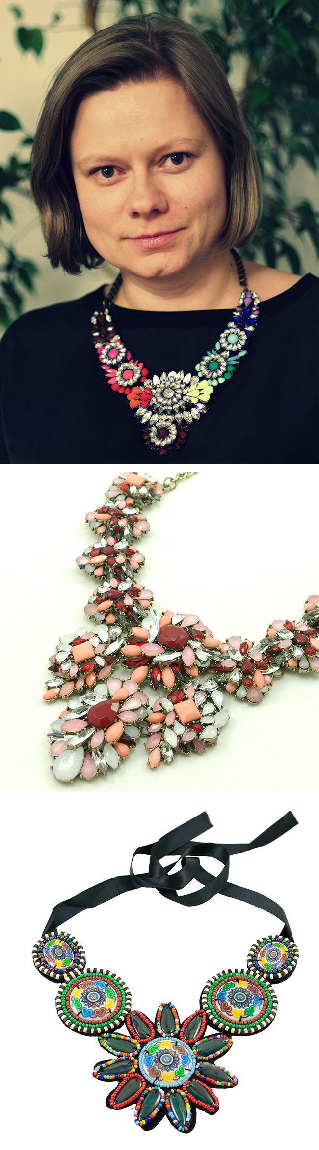 Główną zaletą biżuterii sztucznej jest jej efektowność i rozmach. Nie wyobrażam sobie, ile kosztowałby naszyjnik wykonany ze złota i szlachetnych kamieni, który dorównywałby wielkością naszyjnikom Alice Jo. W biżuterii sztucznej nie ma takich ograniczeń, możemy szaleć do woli – mówi Barbara Kiersnowska, właścicielka sklepu internetowego z biżuterią AliceJo.pl http://www.eksmagazyn.pl/wazny-temat/ekscentryczna-bohaterka/barbara-kiersnowska-walcze-z-szarzyzna/ || #biżuteria #moda