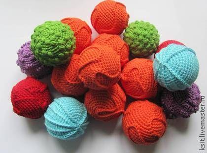 Развивающие игрушки ручной работы. Ярмарка Мастеров - ручная работа Тактильно-звуковые мячики, развивающие игрушки. Handmade.