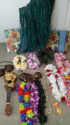 hawaiian luau photo booth prop ideas