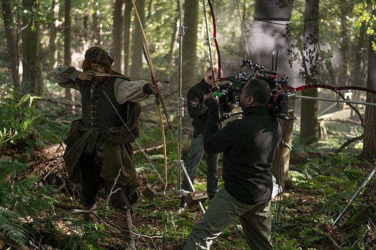 New 'Outlander' Season Three Behind the Scenes Photo of Sam Heughan | Outlander TV News