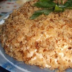 Сочный и вкусный салат. Со стола сметается в первую очередь! Нежный слоеный салатик с курочкой и орехами