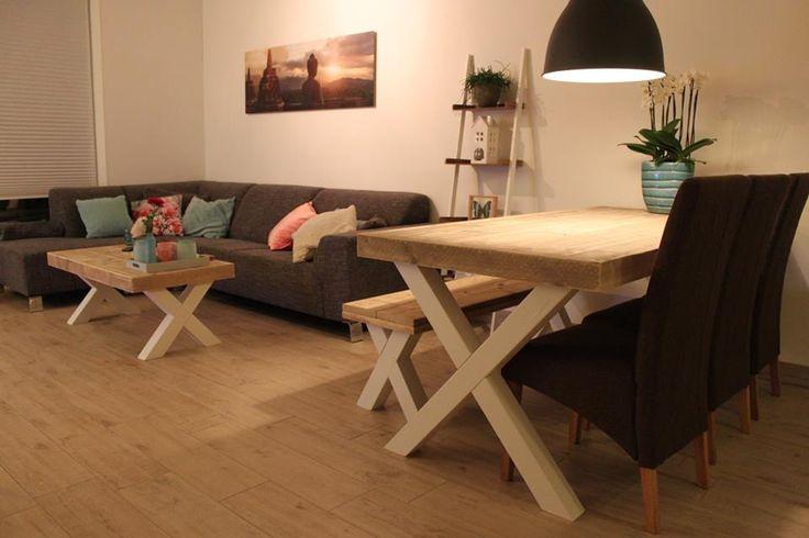 Table et table basse modèle Sybil de chez Pays Bois
