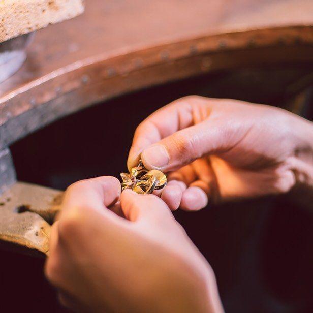 """""""Bijuteria românească are, prin intermediul Sabion, un păstrător și un continuator al meșteșugului străvechi, autentic.""""  #bijuteria #sabion #romania #handmade #inspiration #jewelry #live #love #life #hands #talent #bucharest #cluj #instagood #instadaily #details #instamood #picoftheday #picstitch #bucuresti #follow #jewellery #jeweler #jewelrydesign #jewelrygram #jewelryaddict #jewelrymaking   Bijuterii cu suflet, manufacturate în România."""