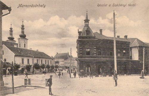 Kálvin János tér,balra a katolikus templom,szemben az Europa kávéház.1909