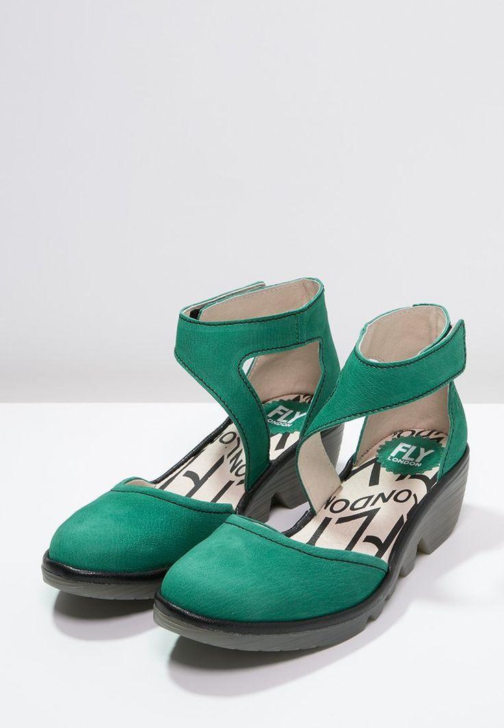 Grüne Damenschuhe in Geschäften sowie in Online-Shops. Schau Dir die aktuelle Kollektion Frühling/Sommer 2016 auf dem Mode-Portal Domodi.de an.