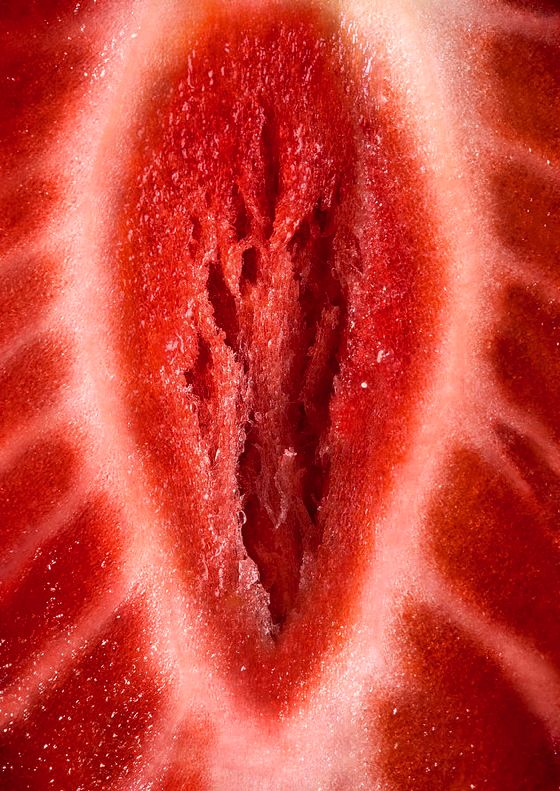 strawberry Close-up - http://love-food-sex.blogspot.com/