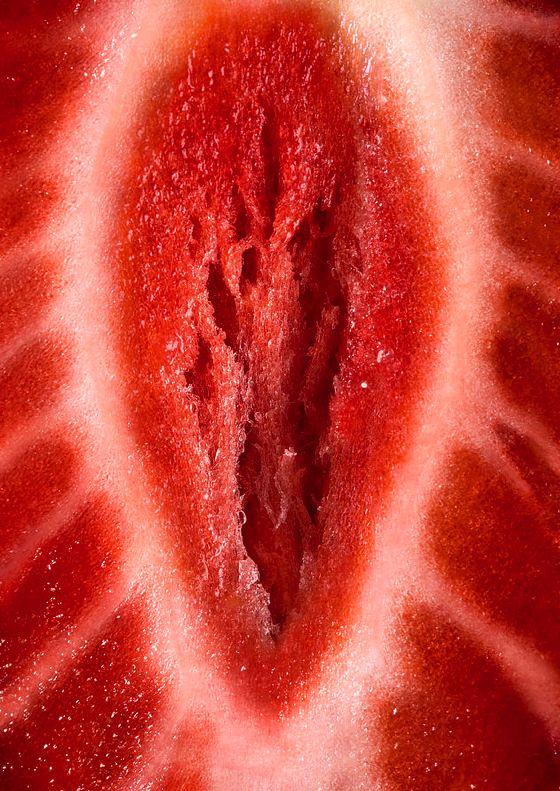 strawberry Close-up - http://love-food-sex.blogspot.com/