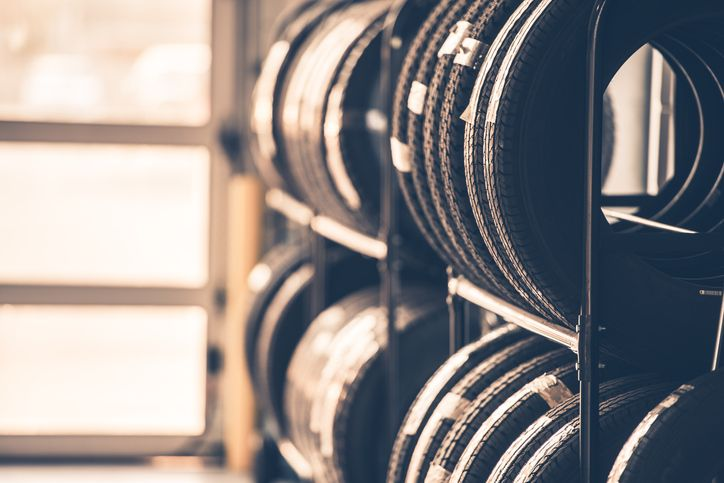 A Look at Performance Tires for Students in an Auto Mechanic Training Program